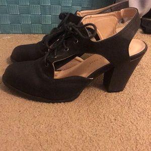 7.5 black heels